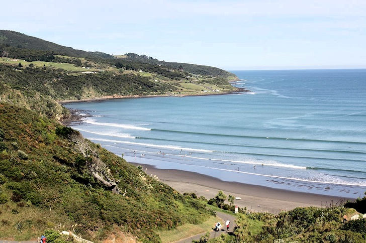 Raglan: long surf lines