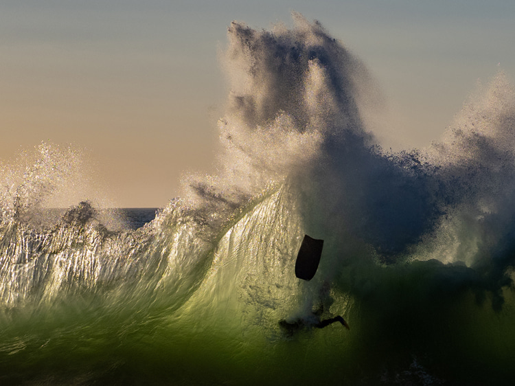 The Backwash: a freak and rare wave that breaks near Bunbury, near Western Australia | Photo: Chris McRobb