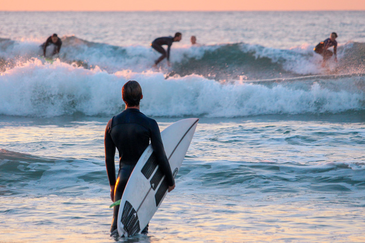Recreational surfers: Martin Dunn created Surf6 to improve the skills of the everyday surfer | Photo: Shutterstock