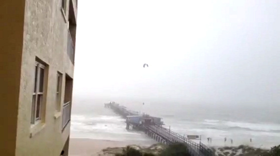 Redington Beach: the pier is made for kitesurfing