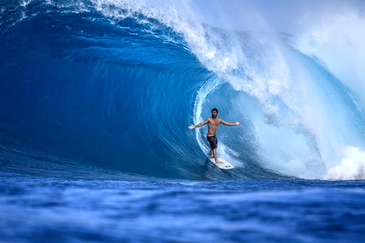 Ricardo dos Santos: a surfing star lives in heaven | Photo: Henrique Pinguim