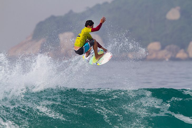 Gabriel Medina: flying well-known skies