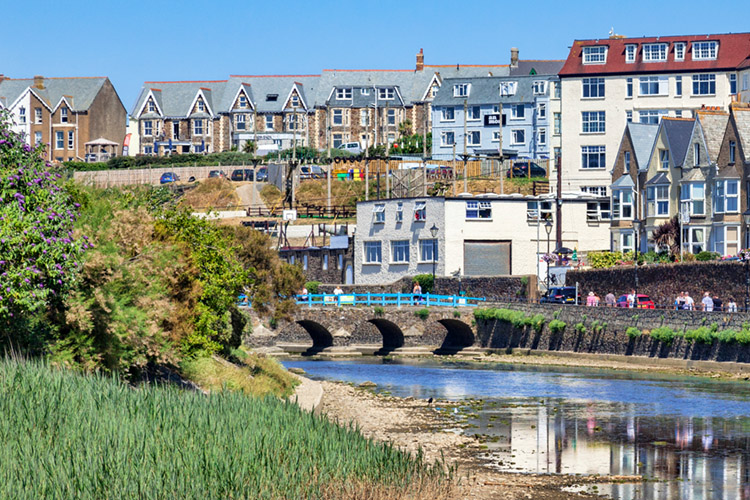 River Neet or Strat: Bude's famous upstream river wave | Photo: Shutterstock