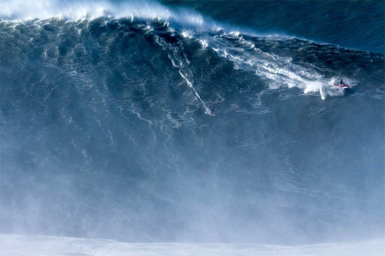 Watch Brazilian Rodrigo Koxa successfully ride the biggest wave ever surfed
