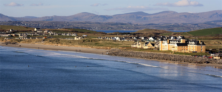 Rossnowlagh: a Blue Flag surfing beach | Photo: Sandhouse
