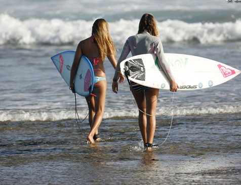 surfer girls head to the roxy invitational 2009 in mozambique