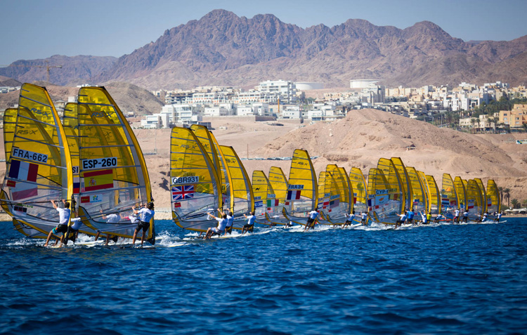 2016 RS:X World Windsurfing Championships: light winds in Eilat | Photo: Tiit Aunaste/RS:X Class