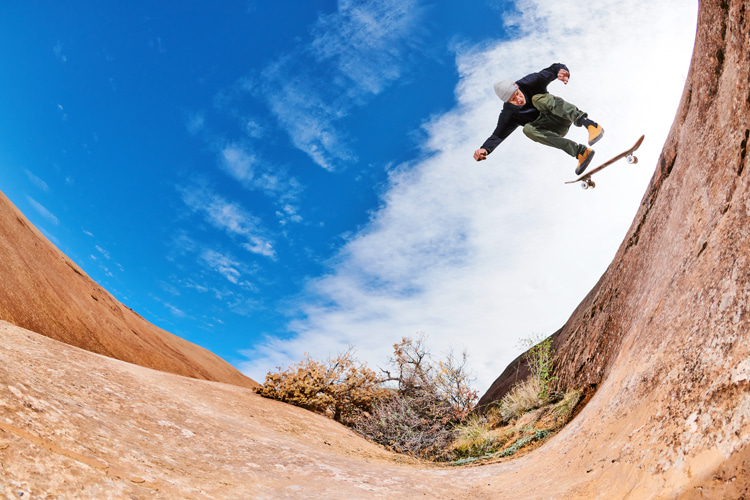 Ryan Decenzo: enjoying the natural ramps of Utah's Moab Desert | Photo: Jonathan Mehring/Red Bull
