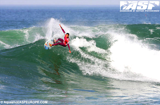 Sally Fitzgibbons wins in Portugal
