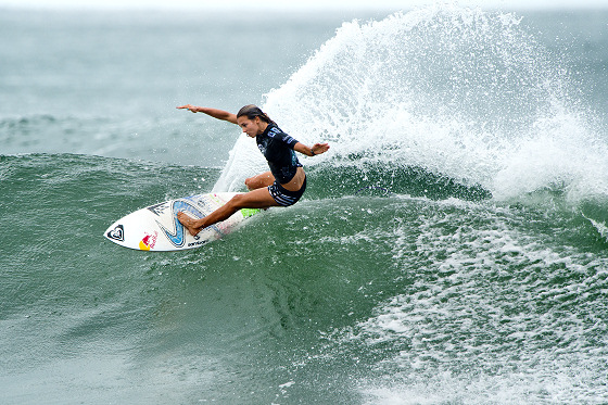 Sally Fitzgibbons: using arms as wings