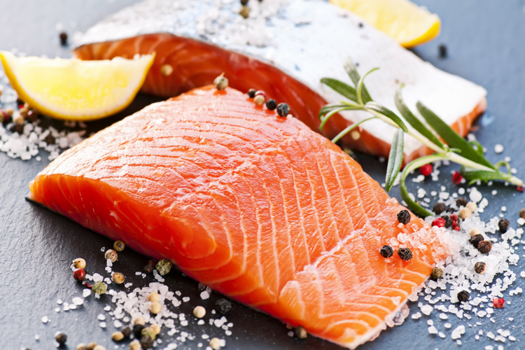 Salmon: rich in Omega-3 fatty acids and a great source of protein and potassium | Photo: Shutterstock