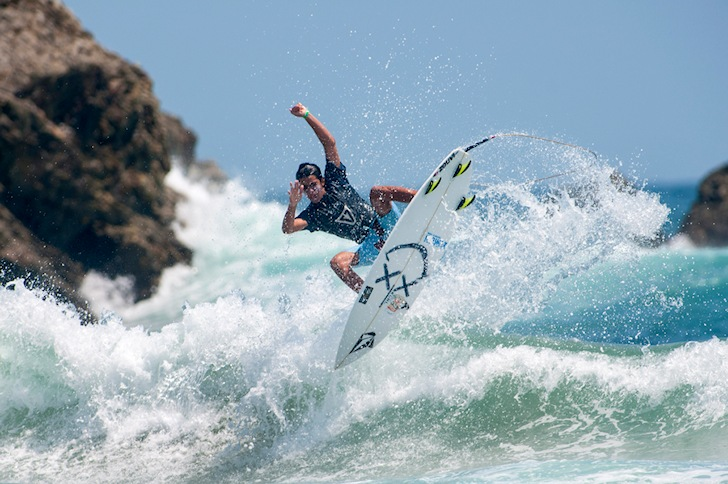 France leads the 2014 ISA World Junior Surfing Championship