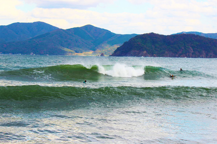 Surfing in Japan: Tottori Prefecture | Chūgoku Region | Sea of Japan | Photo: japansurf.com