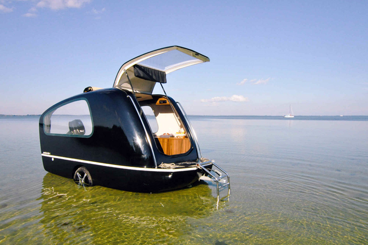The Sealander: a caravan and yacht in one