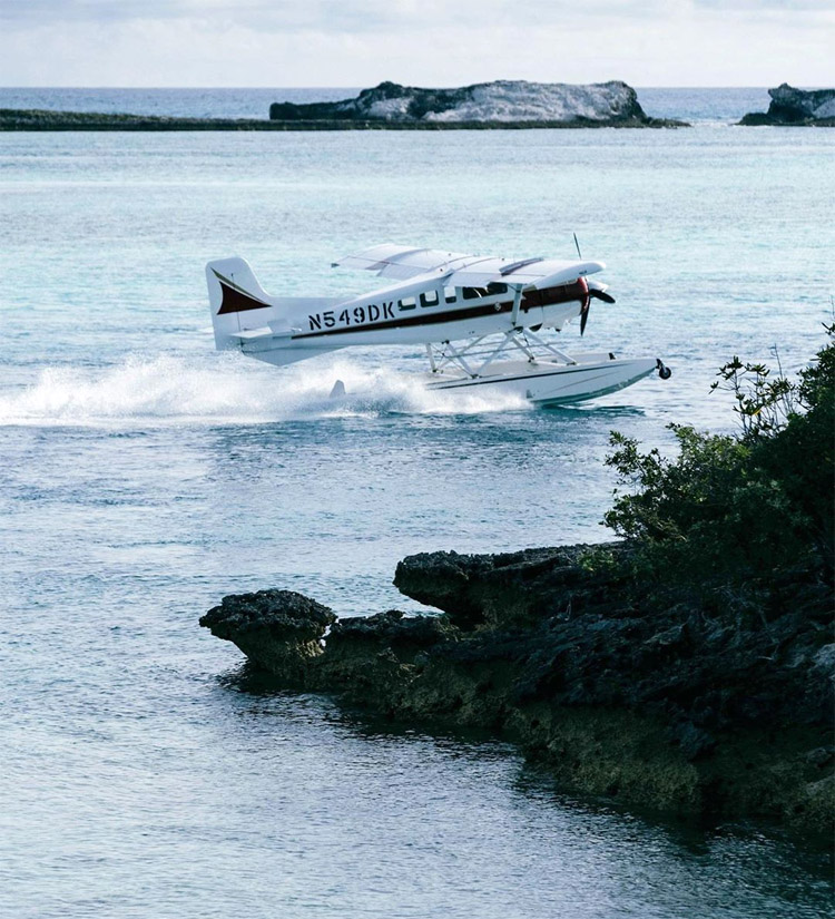 Bahamas: David Mitchell's seaplane was stranded after a cylinder in the engine cracked | Photo: Petroni