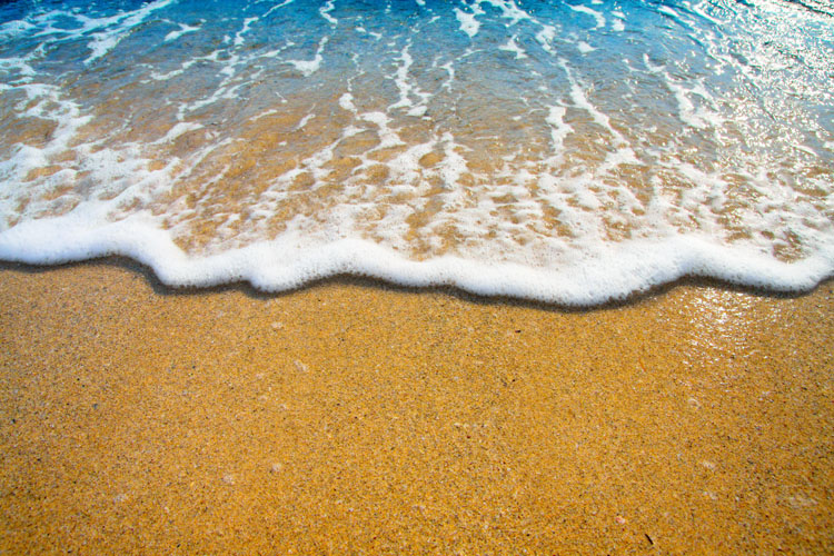Sea water: it will boost your mood, and improve your health | Photo: Shutterstock