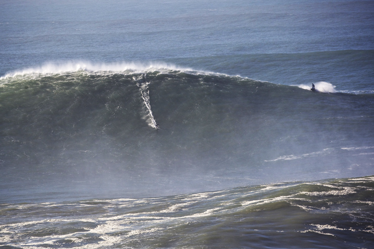 Sebastian Steudtner: biggest ride, biggest wave, biggest everything | Photo: Jeff Flindt/Red Bull
