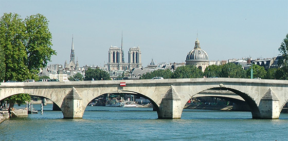 Seine River: great for Stand Up Paddle