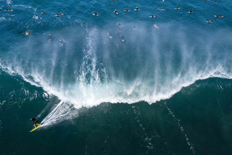 Lineup: know where to position in the surf | Photo: Red Bull