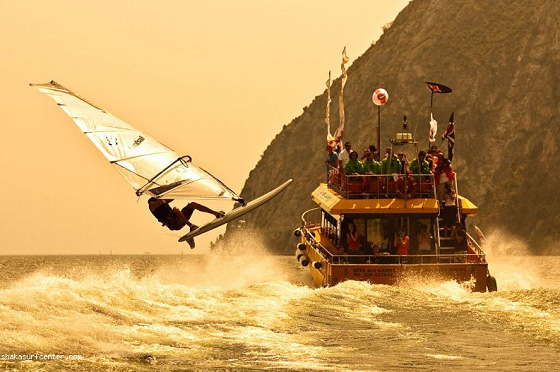 Shaka Bump & Jump: crazy ferry windsurfing competition