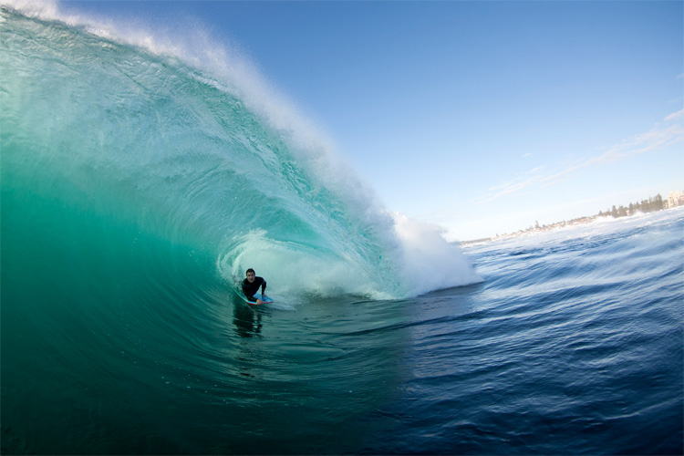 Shark Island: a fast and deep barreling wave | Photo: Gleeson/Surfing Australia