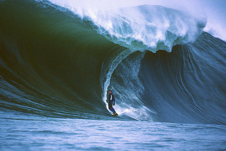 Shawn Barron: an artist of the big waves | Photo: Doug Acton