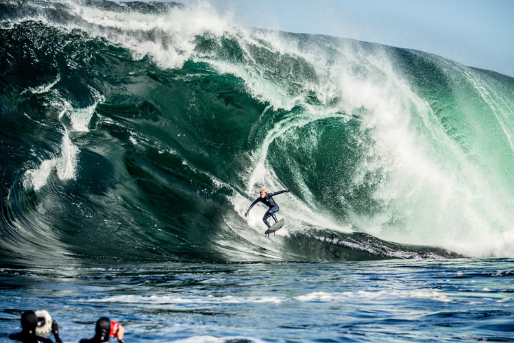 Shipstern Bluff: to survive this wave, you must overcome The Step | Photo: Gibson/Red Bull