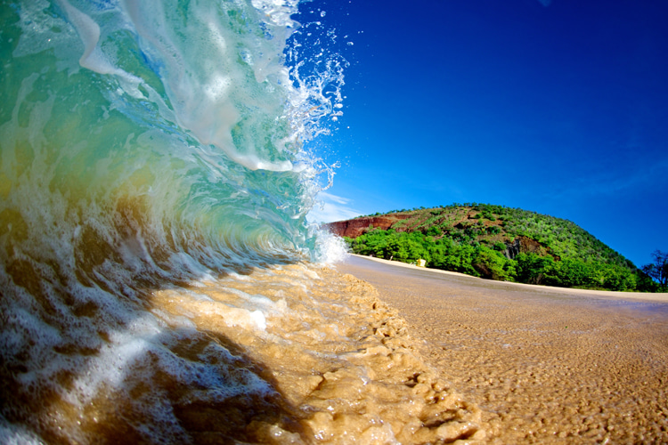 Sand: always moving up, down and along the shoreline | Photo: Shutterstock