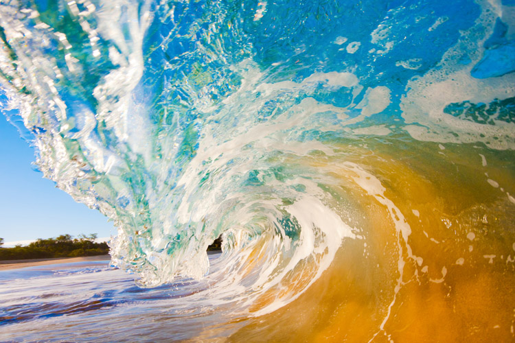 Shore break: a challenging and dangerous wave for bodyboarders | Photo: Shutterstock