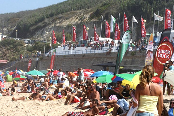 Sintra Pro: expect huge crowds in the beach