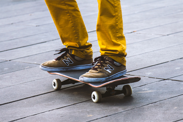 Skateboard stances: natural, nollie, switch and fakie are the four different riding stances | Photo: Creative Commons
