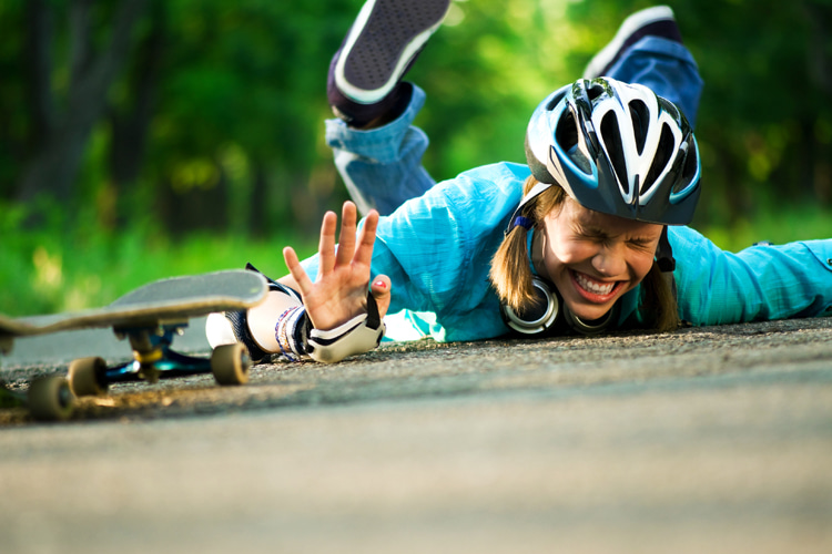 Skateboarding: learning how to fall is one of the first things a beginner skater should master | Photo: Shutterstock