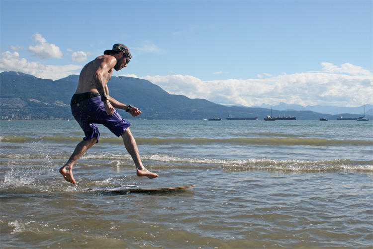 Skimboard: more than that summer holiday pastime | Photo: Mariarenouf/Creative Commons