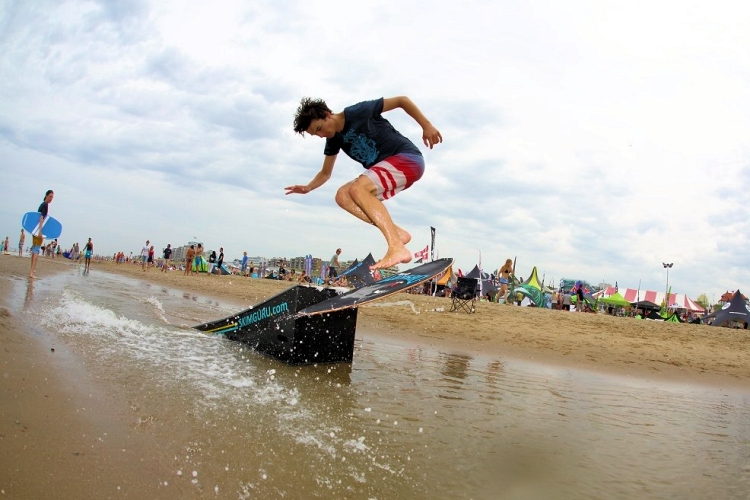 Dutch Flatland Skimboarding Open: the pros shine in Noordwijk | Photo: ExPix/DFSO