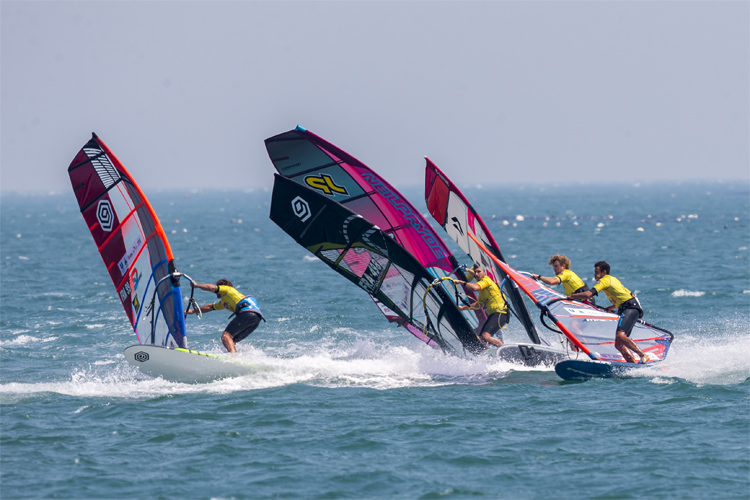 PWA Slalom World Tour: windsurfing