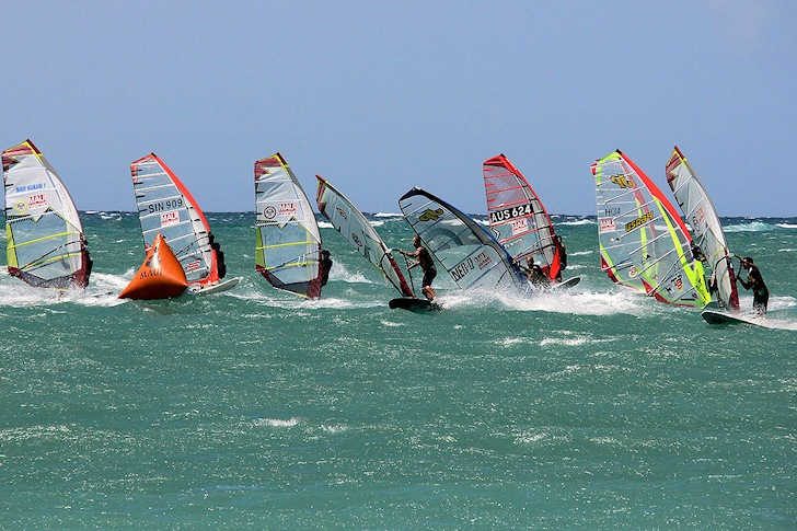 Slalom windsurfing: popular as ever