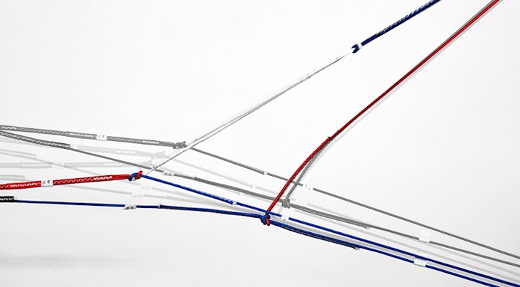 Slingshot develops kite suspension system