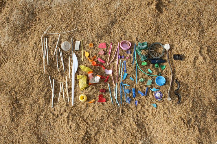 Microplastics: humans are now ingesting approximately 20 grams of microplastic every month | Photo: Shutterstock