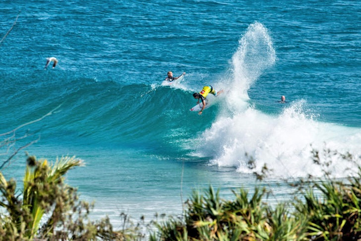 Snapper Rocks: one wave, one surfer, rare picture | Photo: ASP/Jimmy Cane