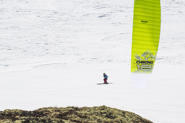 Snow kiting: kiteboarding on snow | Photo: Red Bull
