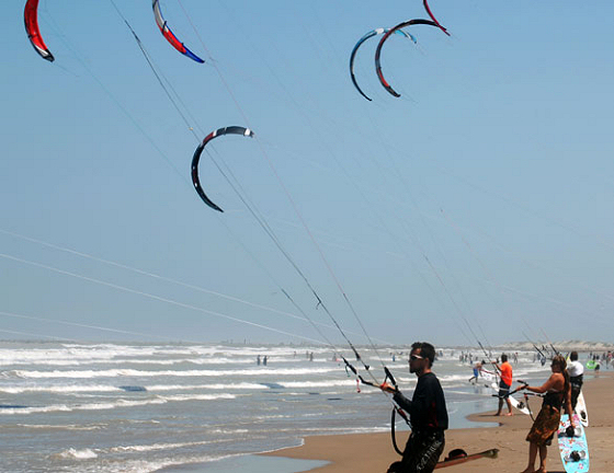 SPI Kite Round-Up: South Padre Island is an exciting kiteboarding destination