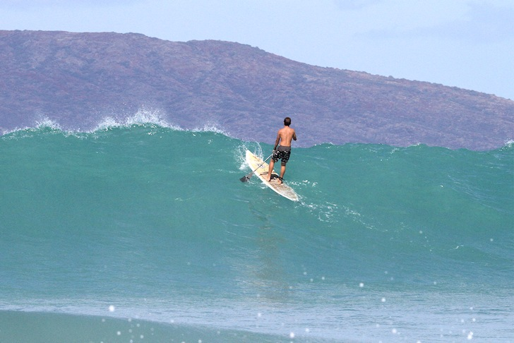 Stand up paddleboarding: don't be a wave hog | Photo: Creative Commons/Byron Yap