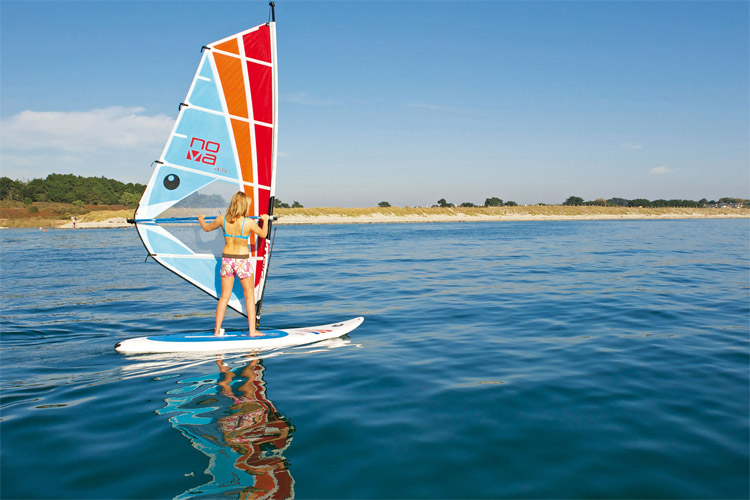 Windsurfing: learn to sail in less than two hours