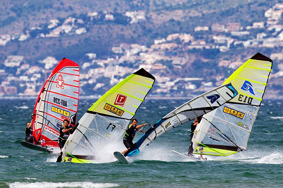 Windsurfing: easy and cheap