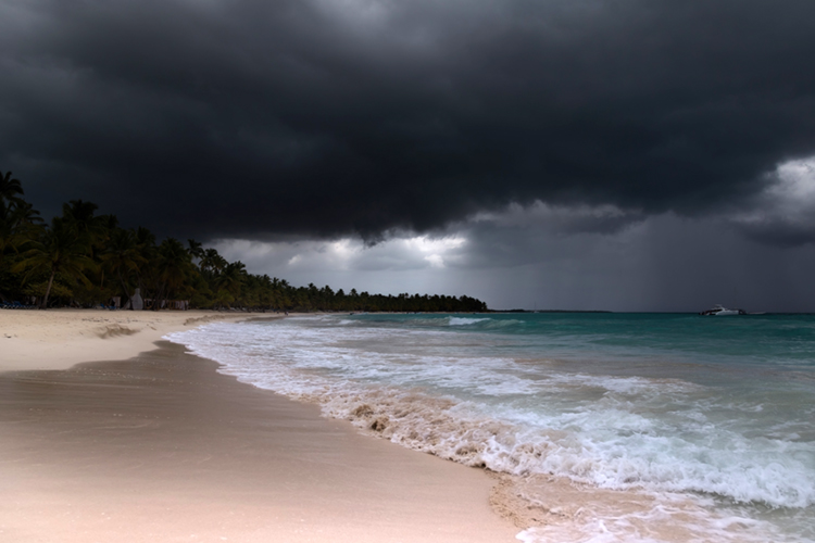 Beach: whenever the sky gets cloudy and dark, it's time to leave | Photo: Shutterstock
