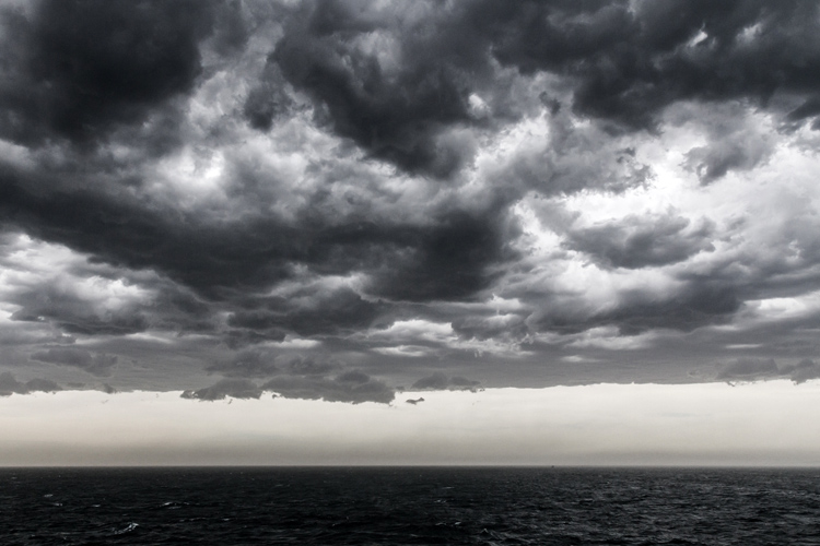 El Niño and La Niña: stormy skies and rough seas | Photo: Bodie Strain/Creative Commons