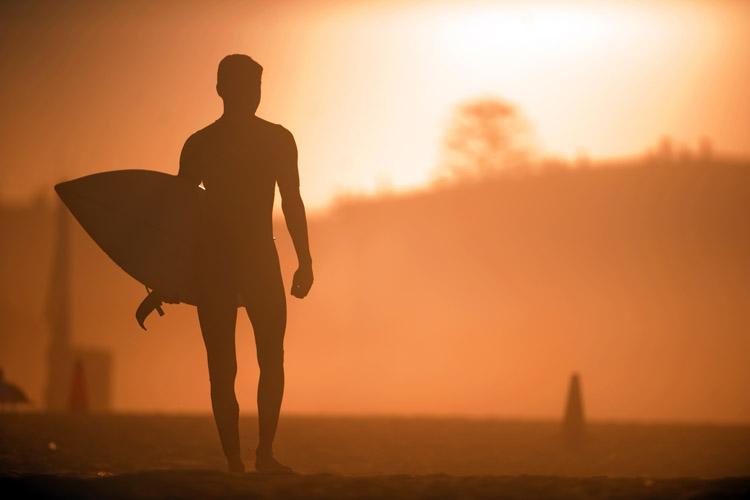 Sunburn: surfers are regularly exposed to the sun for long periods of time and must wear sunscreen | Photo: Shutterstock