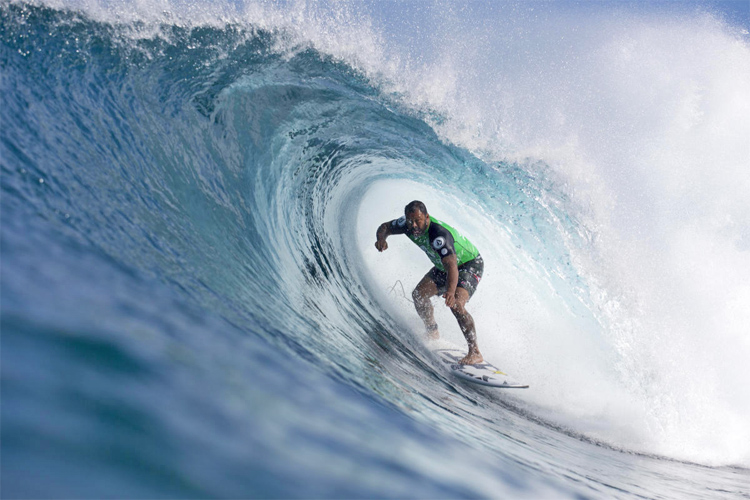 Sunny Garcia: one of the best Hawaiian tube riders of all time | Photo: Saguibo/WSL