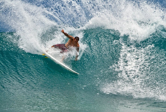 Sunny Garcia: this is power surfing
