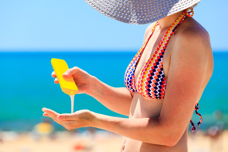 Sunscreens: skin care product with oxybenzone and octinoxate will not be allowed in Hawaii | Photo: Shutterstock